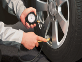 ما هو ضغط الهواء المناسب لإطارات السيارة؟